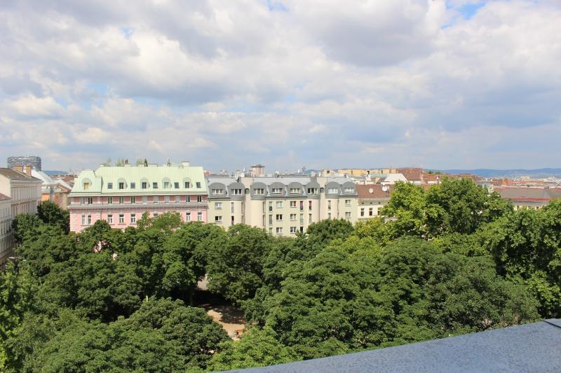Dachgeschosswohnung mit großer Westterrasse und Blick über Wien