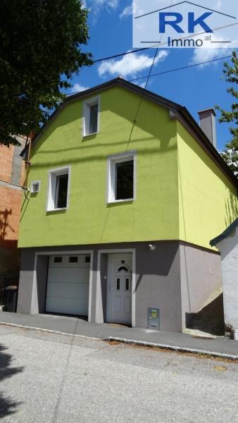 Wohnhaus mit Garage und Terrasse beste Infrastruktur !