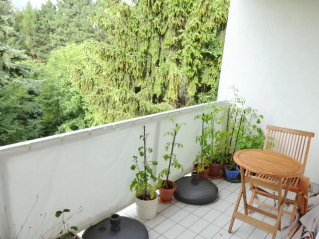 Grünruhelage+Hell + Mitbenützung großer toller Garten, 4 Zimmer + Loggia, ca. 100m, 2ter & letzter Stock /  / 1190Döbling / Bild 1