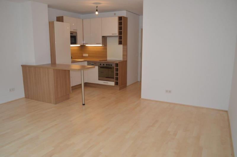 HÖRLGASSE! NEU SANIERTE 64  m2 NEUBAU, 2 Zimmer, Komplettküche, Wannenbad; Parketten, 5. Liftstock;  /  / 1090Wien / Bild 1
