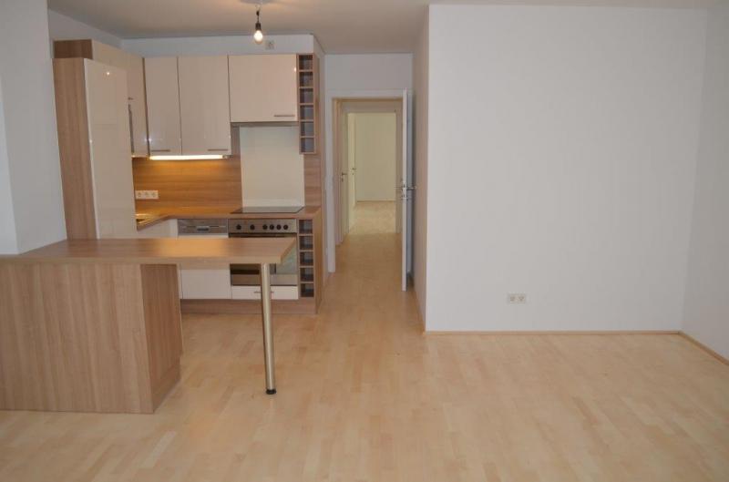 HÖRLGASSE! NEU SANIERTE 64  m2 NEUBAU, 2 Zimmer, Komplettküche, Wannenbad; Parketten, 5. Liftstock;  /  / 1090Wien / Bild 3
