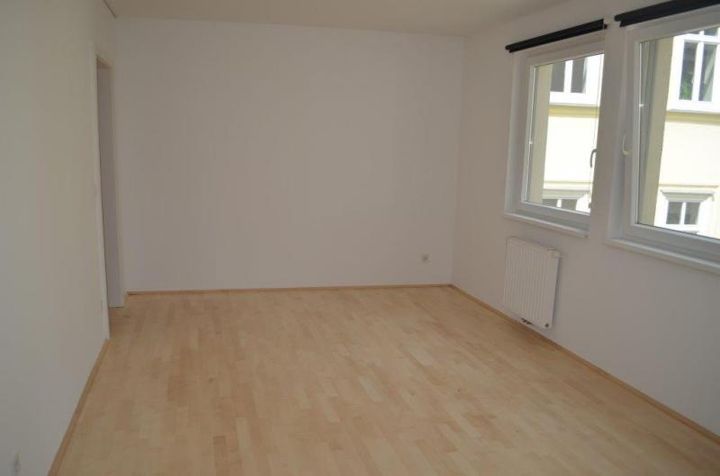 HÖRLGASSE! NEU SANIERTE 64  m2 NEUBAU, 2 Zimmer, Komplettküche, Wannenbad; Parketten, 5. Liftstock;  /  / 1090Wien / Bild 5