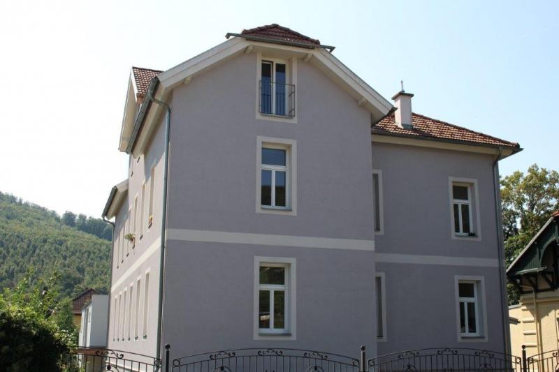 PURKERSDORF, WINTERGASSE, unbefristete 76 m2 Altbau, 3 Zimmer, Extraküche, Wannenbad, ein fixer KFZ-Abstellplatz;