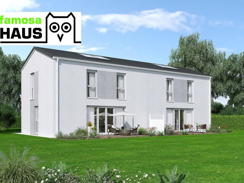 Geräumige Doppelhaushälfte, vollunterkellert mit Sonnengarten (Eigengrund) und 2 Parkplätzen.