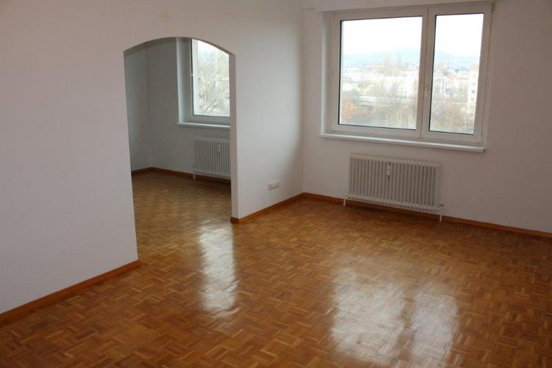 TREUSTRASSE, sonnige 74 m2 Neubau, 3 Zimmer, 2er-WG-geeignet, Wohnküche, Wannenbad,