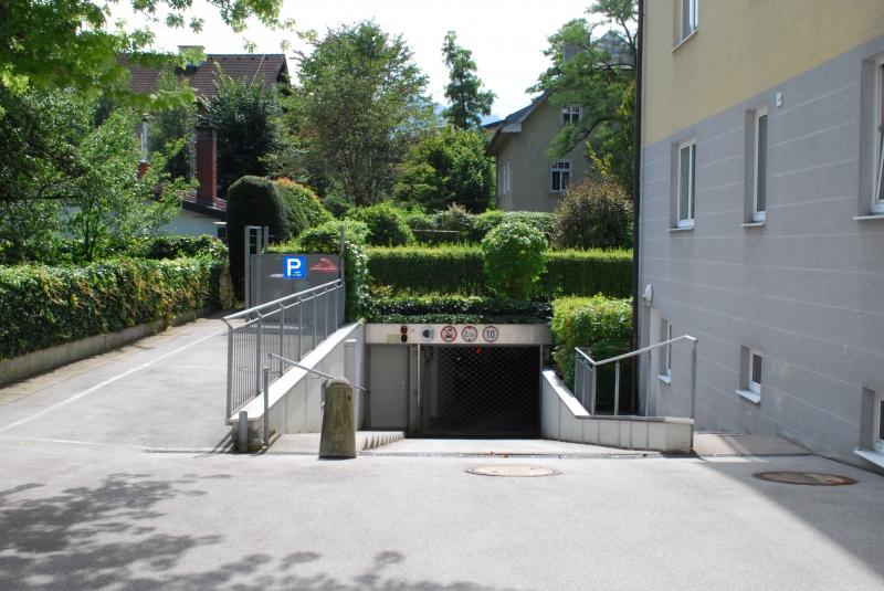 Tiefgaragenplatz in der Riedenburg!