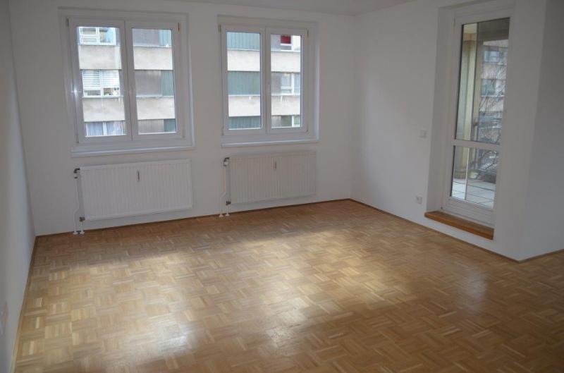 DEGENGASSE! ERSTBEZUG! unbefristete 80 m2 Neubau inklusive 6 m2 Loggia, 3 Zimmer, Komplettküche, Wannenbad, Parketten;