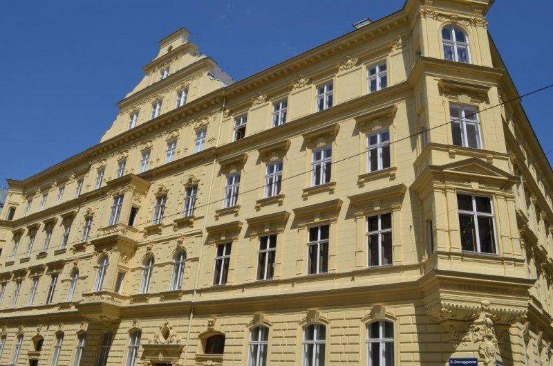 DACHGESCHOSS! ZWERGGASSE, AUGARTEN-NÄHE,  63 m2 Dachgeschoß, 2 Zimmer, Komplettküche, Wannenbad, Parketten,