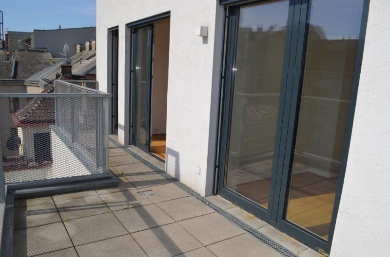 DACHGESCHOSS! MOLLARDGASSE, sonnige 85 m2 Neubau mit 21 m2 Terrassen, 3 Zimmer, Komplettküche, Wannenbad, Fernblick,