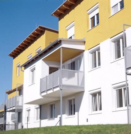 Geförderte 4-Zimmer-Wohnung mit Loggia und Garten