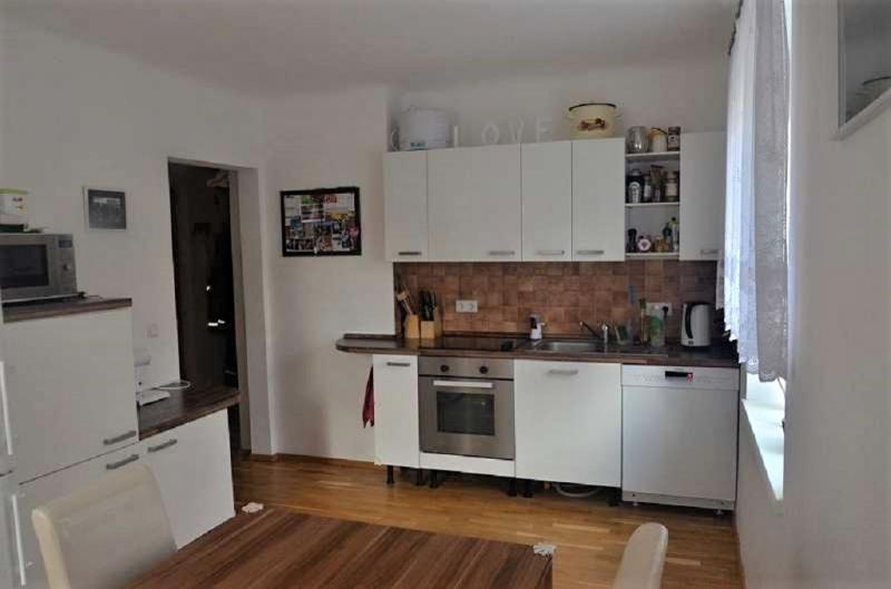 gbild -- Wohnen im Grünen - 2-Zimmerwohnung mit Balkon und Garten  /  / 2410Hainburg an der Donau / Bild 4