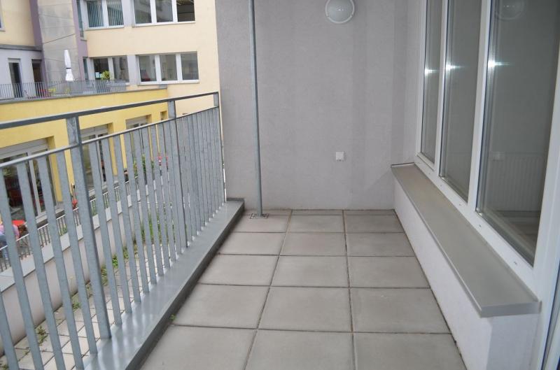 FAVORITENSTRASSE! U1-KEPLERPLATZ-NÄHE! SONNIGE 73 m2 NEUBAU MIT 7 m2 LOGGIA, 2 Zimmer, Kochnische, Wannenbad, Parketten; Ruhelage /  / 1100Wien / Bild 6