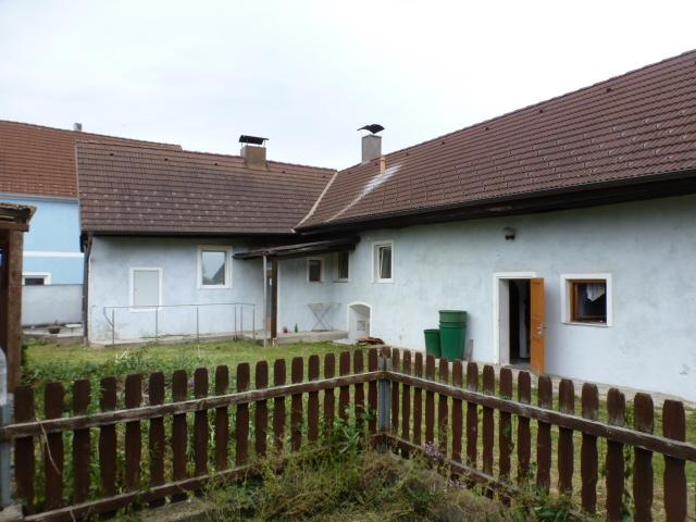 Renovierungsbedürftiges Kleinanwesen südlich von Krems