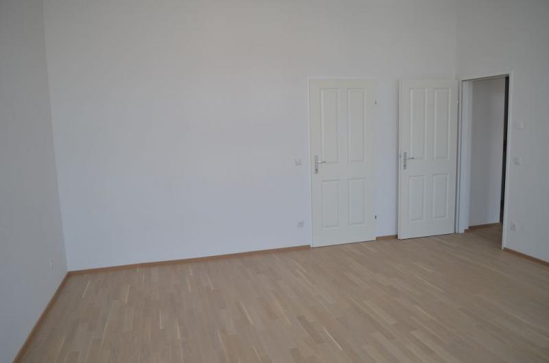 jpgcnt ---- STUDENT/INNEN! VIERTHALERGASSE, U6-NÄHE, TOPSANIERTE 95 m2 ALTBAU MIT 6 m2 TERRASSE; 3 Zimmer, 3er-WG-geeignet, Extraküche,  Duschbad, Parketten;  /  / 1120Wien / Bild 0