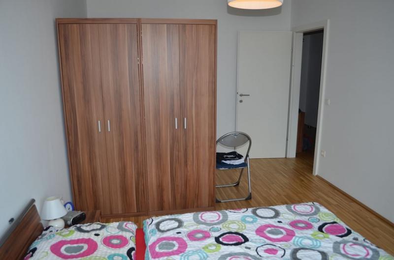 gbild -- LEYSTRASSE; sonnige 61 m2 Neubau mit 6 m2 Balkon, 2 Zimmer, Komplettküche; Wannenbad, Parketten; Garagenplatz /  / 1020Wien / Bild 7