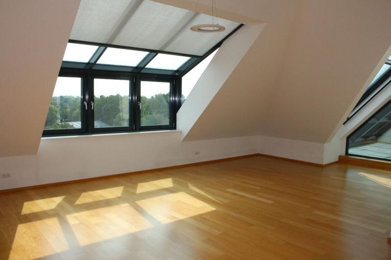BÖCKLINSTRASSE! PRATERCOTTAGE-DONAUKANAL-NÄHE, klimatisiertes 144 m2 Dachgeschoß mit 48 m2 Terrassen/Loggia, 3 Zimmer, Komplettküche, Wannenbad, Fernblick, unbefristet!