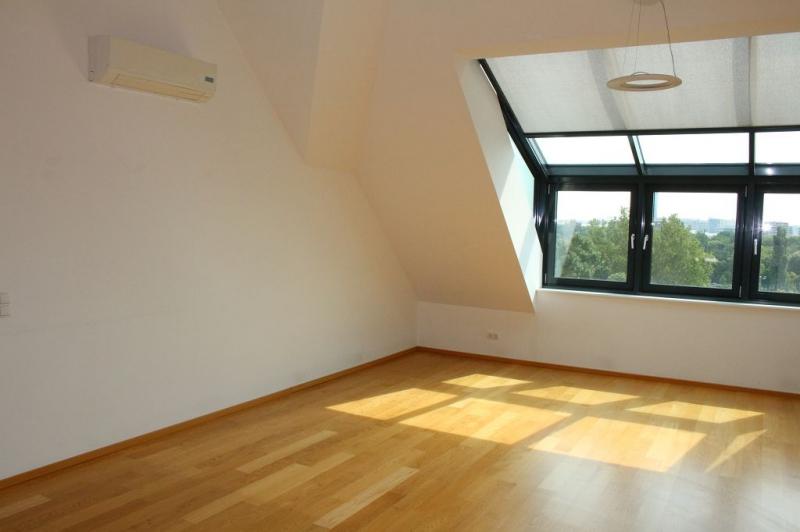 gbild -- BÖCKLINSTRASSE! PRATERCOTTAGE-DONAUKANAL-NÄHE, klimatisiertes 144 m2 Dachgeschoß mit 48 m2 Terrassen/Loggia, 3 Zimmer, Komplettküche, Wannenbad, Fernblick, unbefristet! /  / 1020Wien / Bild 1