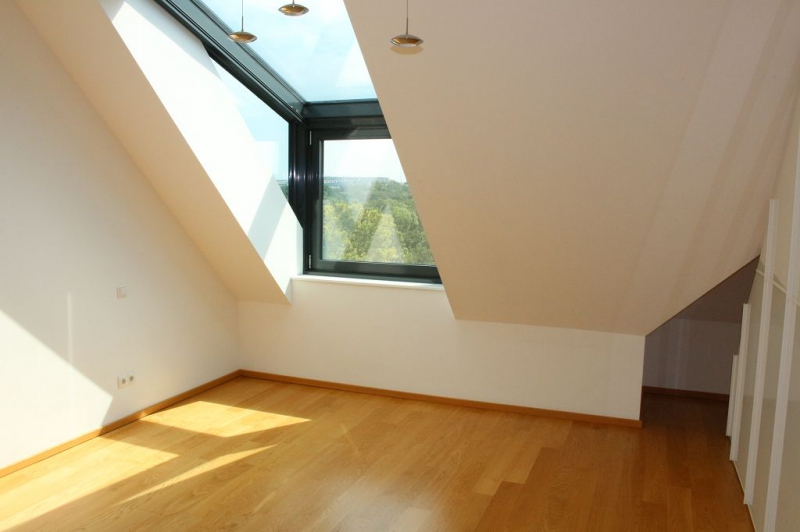 jpgcnt ---- BÖCKLINSTRASSE! PRATERCOTTAGE-DONAUKANAL-NÄHE, klimatisiertes 144 m2 Dachgeschoß mit 48 m2 Terrassen/Loggia, 3 Zimmer, Komplettküche, Wannenbad, Fernblick, unbefristet! /  / 1020Wien / Bild 5