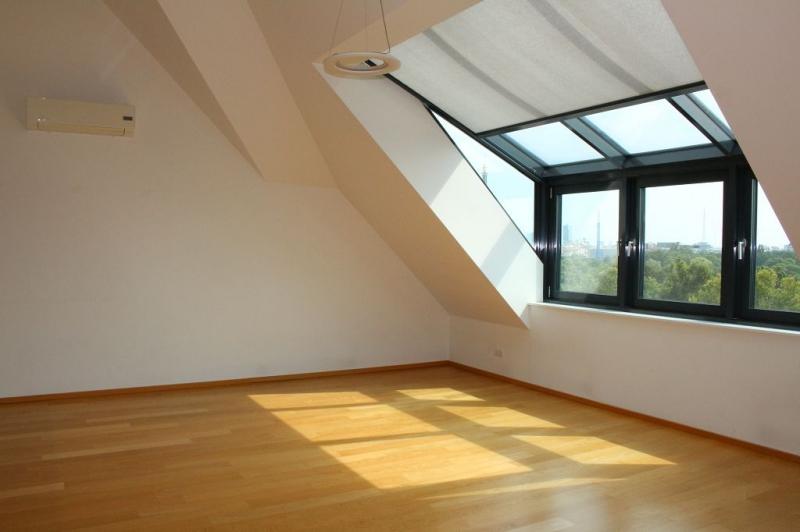gbild -- BÖCKLINSTRASSE! PRATERCOTTAGE-DONAUKANAL-NÄHE, klimatisiertes 144 m2 Dachgeschoß mit 48 m2 Terrassen/Loggia, 3 Zimmer, Komplettküche, Wannenbad, Fernblick, unbefristet! /  / 1020Wien / Bild 2