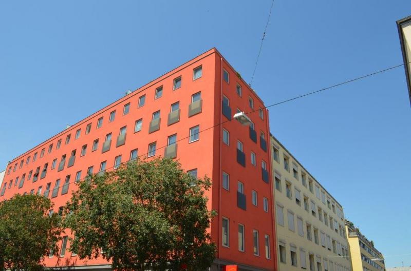 HOLBEINGASSE, unbefristete 86  m2 Altbau inkl. 6 m2 Loggia , 3  Zimmer, 2er-WG-geeignet, Kochnische, Wannenbad, Parketten; Ruhelage