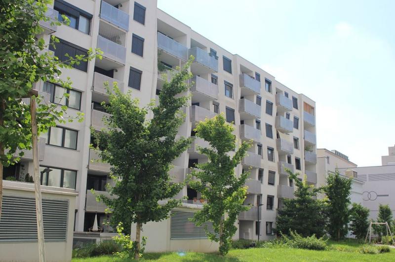 OBERE DONAUSTRASSE, sonnige 61 m2 Neubau inkl. 9 m2 Loggia/Balkon2 Zimmer, Komplettküche, Wannenbad, Hofruhelage; möglicher Garagenplatz!,