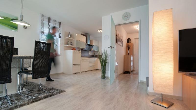 Ziegelmassives Einfamilienhaus mit Vollunterkellerung, Gartenoase (Eigengrund) und Parkplatz. Provisionsfrei.  /  / 2100Korneuburg / Bild 1