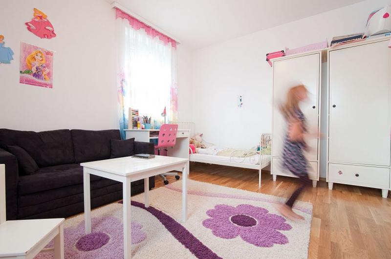 Ziegelmassives Einfamilienhaus mit Vollunterkellerung, Gartenoase (Eigengrund) und Parkplatz. Provisionsfrei.  /  / 2100Korneuburg / Bild 2