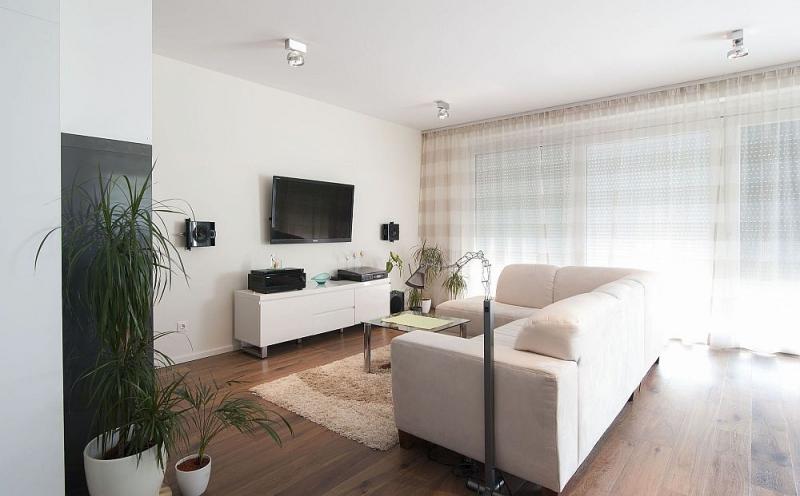 Sonnige Doppelhaushälfte mit Vollunterkellerung und Grundstück samt Parkplatz. Provisionsfrei.  /  / 2100Korneuburg / Bild 1