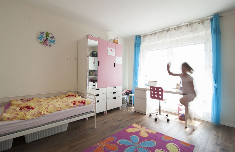 Sonnige Doppelhaushälfte mit Vollunterkellerung und Grundstück samt Parkplatz. Provisionsfrei.  /  / 2100Korneuburg / Bild 2