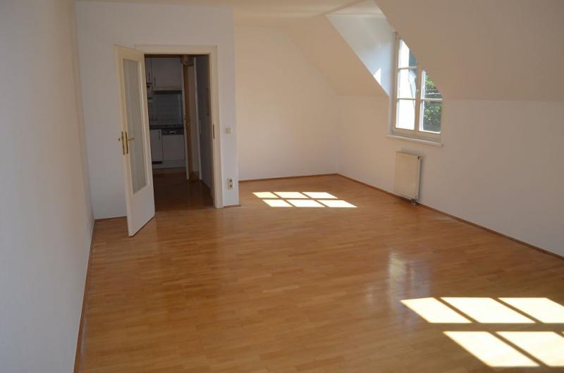 DACHGESCHOSS! DORNBACHER STRASSE! SONNIGE 44 m2 NEUBAU , Einzelwohnraum, Kochnische, Wannenbad;