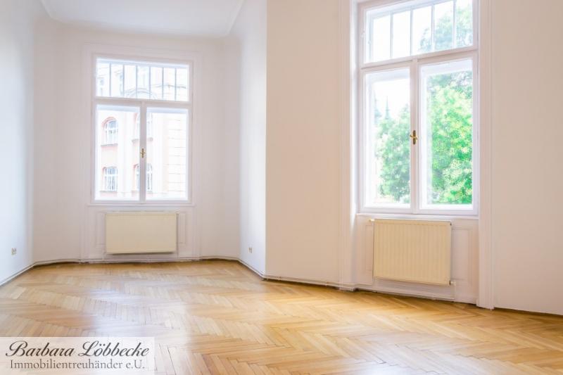 TOP im 8. – unbefristet - 3 Zimmer Altbaujuwel mit Balkon – Gewerbliche Nutzung möglich