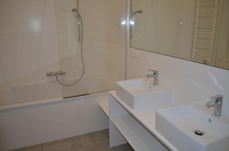 jpgcnt ---- ERSTBEZUG! REMBRANDTSTRASSE! Donaukanal-Nähe, 130 m2 Altbau, 3 Zimmer, 3er-WG-geeignet, Wohnküche, 2 Bäder, Parketten, Ruhelage /  / 1020Wien / Bild 1