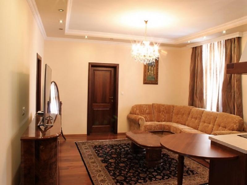 gbild -- Stilvolle 3,5-Zimmer Wohnung für gehobene Ansprüche /  / 2410Hainburg an der Donau / Bild 3