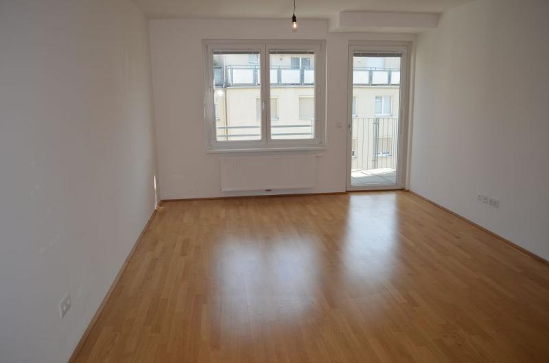 STUTTERHEIMSTRASSE, AUF DER SCHMELZ, 57 m2 Neubau mit 3 m2 Balkon, 2 Zimmer, Komplettküche, Wannenbad,