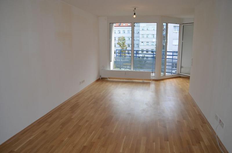 gbild -- KORNHÄUSELGASSE! SONNIGE 50 m2 NEUBAU-GARCONNIERE INKL. 5 m2 LOGGIA; Einzelwohnraum mit Komplettküche, Wannenbad, Parketten; /  / 1200Wien / Bild 3