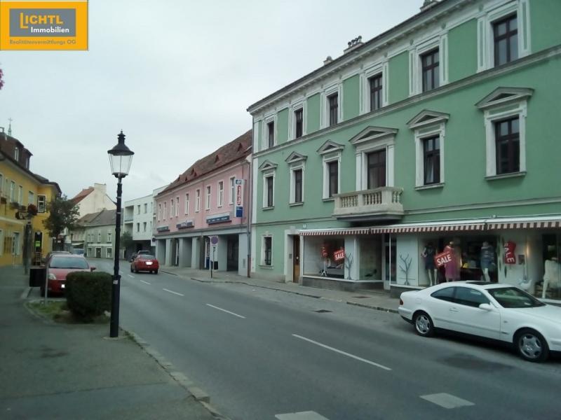 gbild -- Bezaubernde Wohnung im ersten Stock- hell und zentrumsnah /  / 2410Hainburg an der Donau / Bild 0