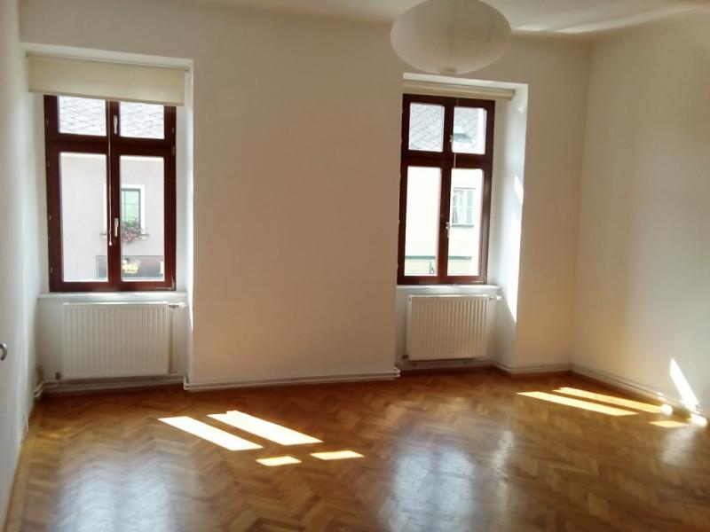gbild -- Bezaubernde Wohnung im ersten Stock- hell und zentrumsnah /  / 2410Hainburg an der Donau / Bild 2