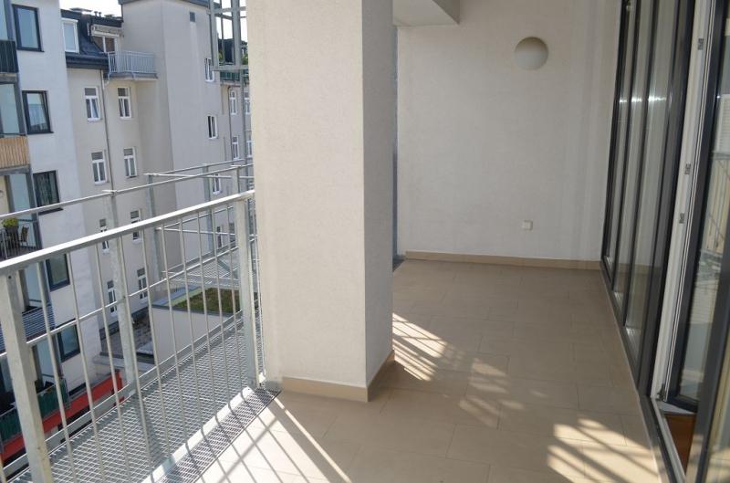 gbild -- HUMBOLDTGASSE! UNBEFRISTET! BEHINDERTENGERECHTE 80 m2 ALTBAU INKLUSIVE LOGGIA, 2 Zimmer, Kochnische, Duschbad, 4. Liftstock,  /  / 1100Wien / Bild 8