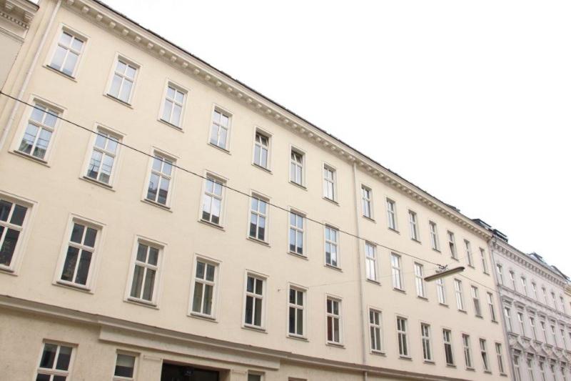 THERESIENGASSE, AKH-Nähe,  unbefristete 44 m2 Altbau-Garconniere,  Einzelwohnraum,  Komplettküche, Duschbad, Parketten /  / 1180Wien / Bild 9
