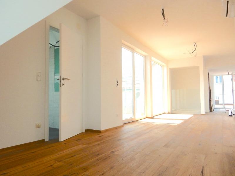 ++ ! NEU ! ++ Exklusive DG-Wohnung, 4-Zimmer ERSTBEZUG, 70m² Terrassen!+ PROVISIONSRABATT  /  / 1090Wien / Bild 1