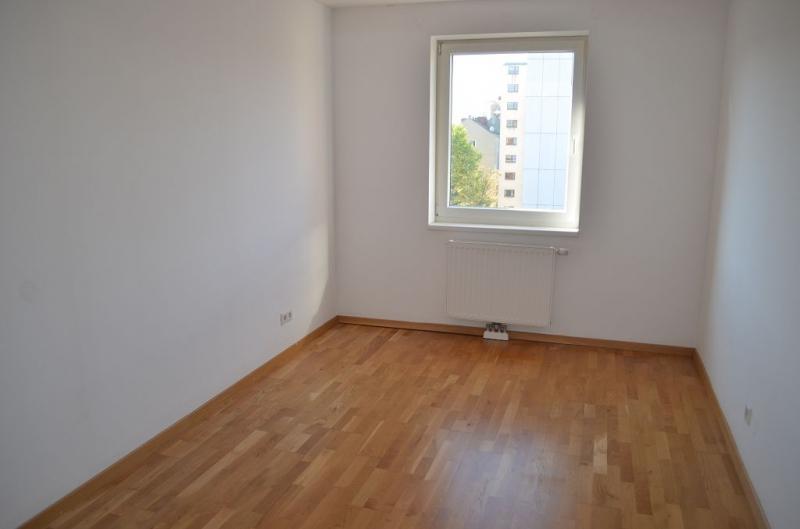 HOLBEINGASSE, DACHGESCHOSS!  unbefristete 69  m2 Altbau, 3  Zimmer, 2er-WG-geeignet, Kochnische, Wannenbad, Parketten; Ruhelage /  / 1100Wien / Bild 4
