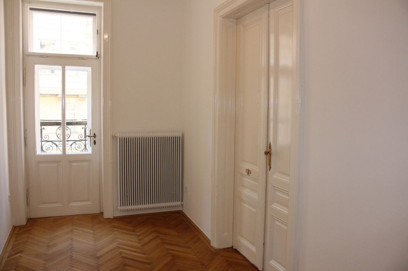 WÄHRINGER STRASSE! Aumannplatz-Nähe, unbefristete 83 m2 Altbau, 2 Zimmer, 2er-WG-geeignet, Kabinett, Wohnküche, Wannenbad, Parketten,  /  / 1180Wien / Bild 5