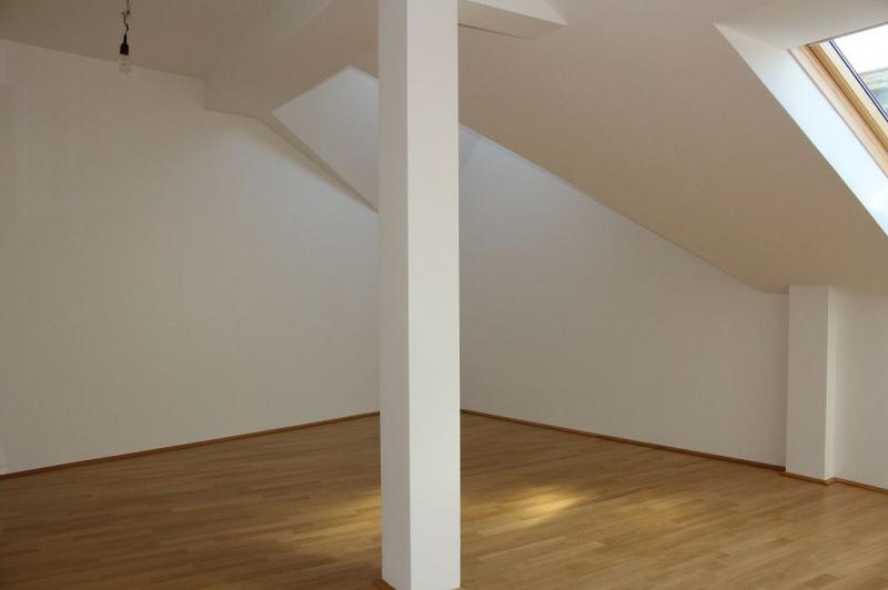 gbild -- ERSTBEZUG! DACHGESCHOSS! Währinger Strasse, unbefristetes 64 m2 Dachgeschoss mit 20 m2 Terrasse, 2 Zimmer, Komplettküche, Klimaanlage, Duschbad, Parketten, Ruhelage; /  / 0Wien / Bild 1
