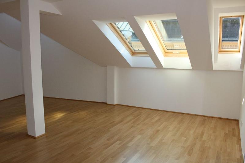 gbild -- ERSTBEZUG! DACHGESCHOSS! Währinger Strasse, unbefristetes 64 m2 Dachgeschoss mit 20 m2 Terrasse, 2 Zimmer, Komplettküche, Klimaanlage, Duschbad, Parketten, Ruhelage; /  / 0Wien / Bild 2