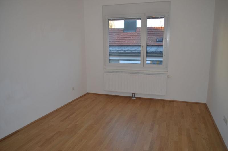 gbild -- DIRMHIRNGASSE, topgepflegte 53 m2 Neubau inkl. 5 m2 Loggia, 2 Zimmer, Komplettküche, Wannenbad, Parketten,  /  / 1230Wien / Bild 8