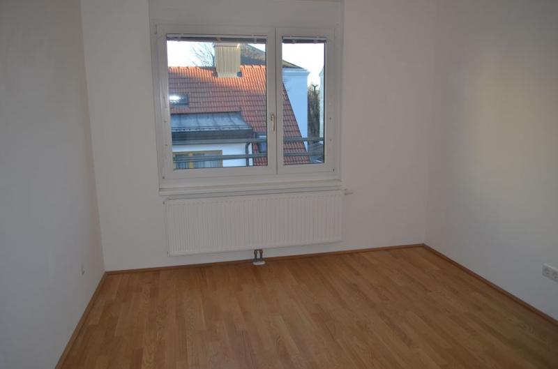 gbild -- DIRMHIRNGASSE, topgepflegte 53 m2 Neubau inkl. 5 m2 Loggia, 2 Zimmer, Komplettküche, Wannenbad, Parketten,  /  / 1230Wien / Bild 9