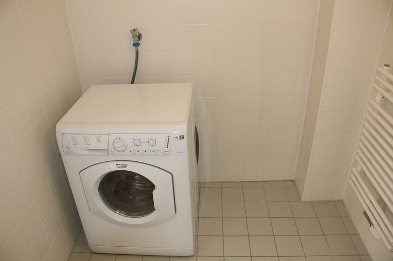 jpgcnt ---- PENZINGER STRASSE! unbefristete 60 m2 Altbau, Wohnzimmer mit Komplettküche, Schlafzimmer, Wannenbad, Parketten /  / 1140Wien / Bild 1