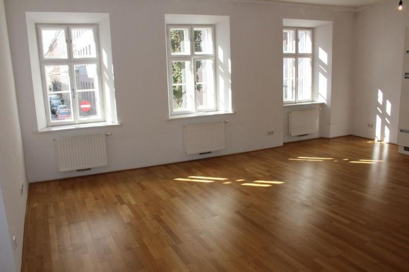 gbild -- PENZINGER STRASSE! unbefristete 60 m2 Altbau, Wohnzimmer mit Komplettküche, Schlafzimmer, Wannenbad, Parketten /  / 1140Wien / Bild 2