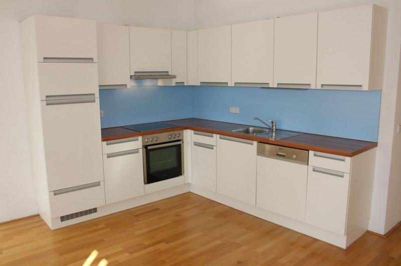 gbild -- PENZINGER STRASSE! unbefristete 60 m2 Altbau, Wohnzimmer mit Komplettküche, Schlafzimmer, Wannenbad, Parketten /  / 1140Wien / Bild 4