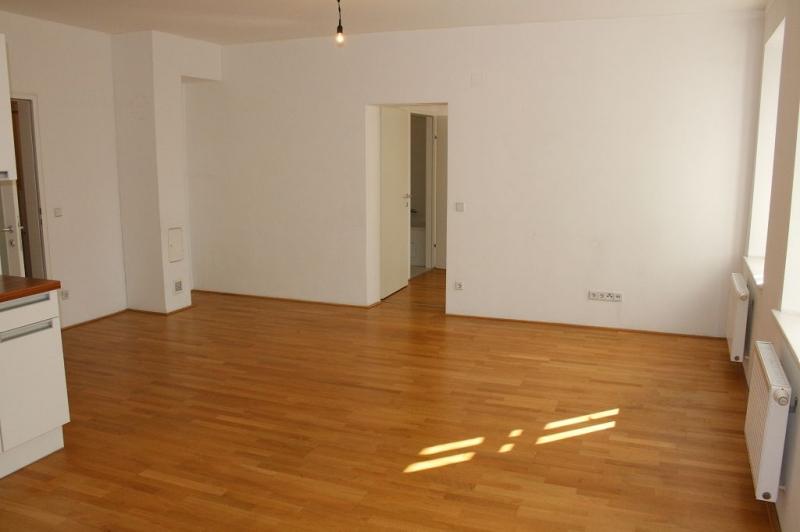 gbild -- PENZINGER STRASSE! unbefristete 60 m2 Altbau, Wohnzimmer mit Komplettküche, Schlafzimmer, Wannenbad, Parketten /  / 1140Wien / Bild 5